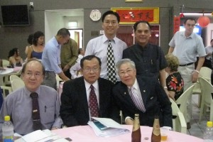 Hakkas from Taiwan (seated left and centre) and Sydney and other elders