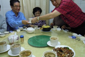 Tasting authentic Hakka Gourmet from the Longchuan region . This restaurant is owned and operated by Longchuan people related to the President 尝试正宗客家龙川家乡菜!