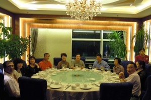 Honorary Advisor Mr and Mrs Zhang Xiaoting hosted a most sumptuous and memorable Cantonese gourmet dinner at a famous restaurant in Guangzhou for the whole group, with a German roasted pork hock thrown in for each of us