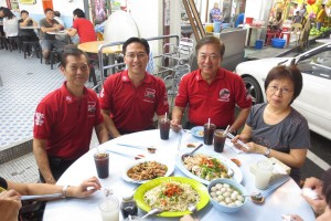 Enjoying Ipoh's famous bean sprout and chicken