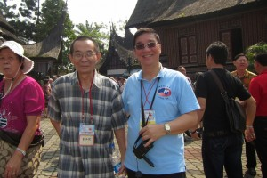 Dato' Yong with new found Indonesian Hakka friend Mr Lie