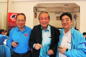 Hon Advisors Mr Francis Yapp & Dato' William Tai, with Dato' Yong - after having made a donation each towards the HakkaWA Clubhouse Fund